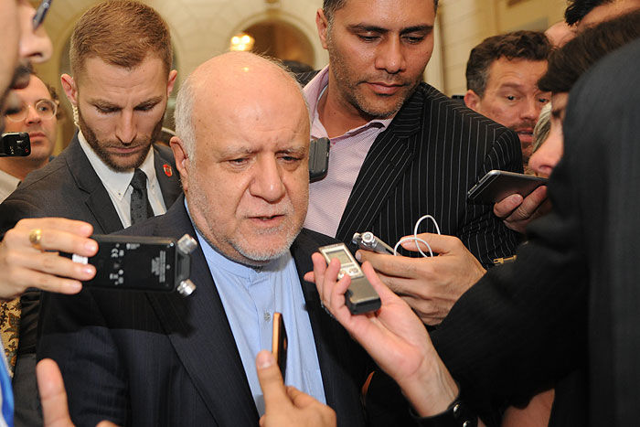 Zangeneh says Would Stress De-politicization of Energy Market in Moscow