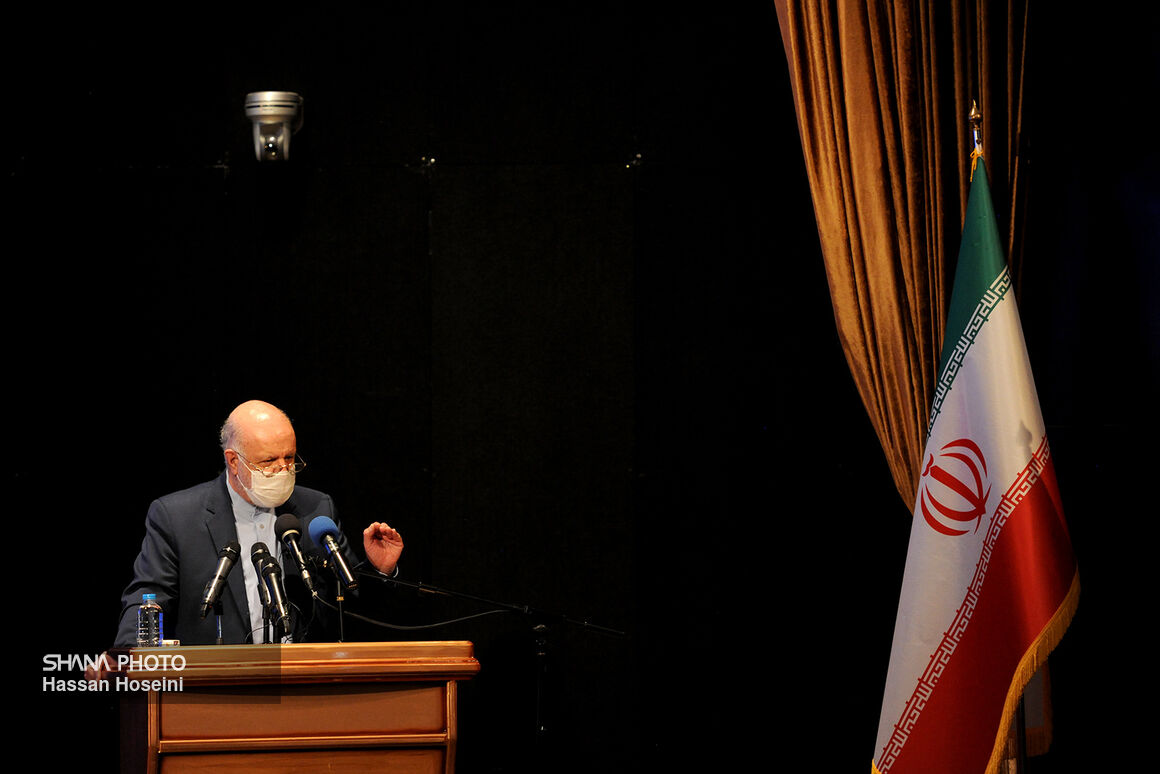 Zangeneh Stresses Capacity Building in Oil Industry